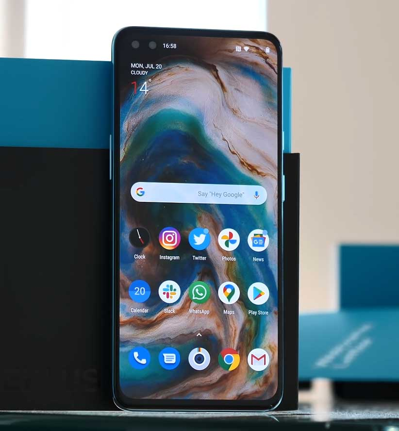 OnePlus Nord Design and Display